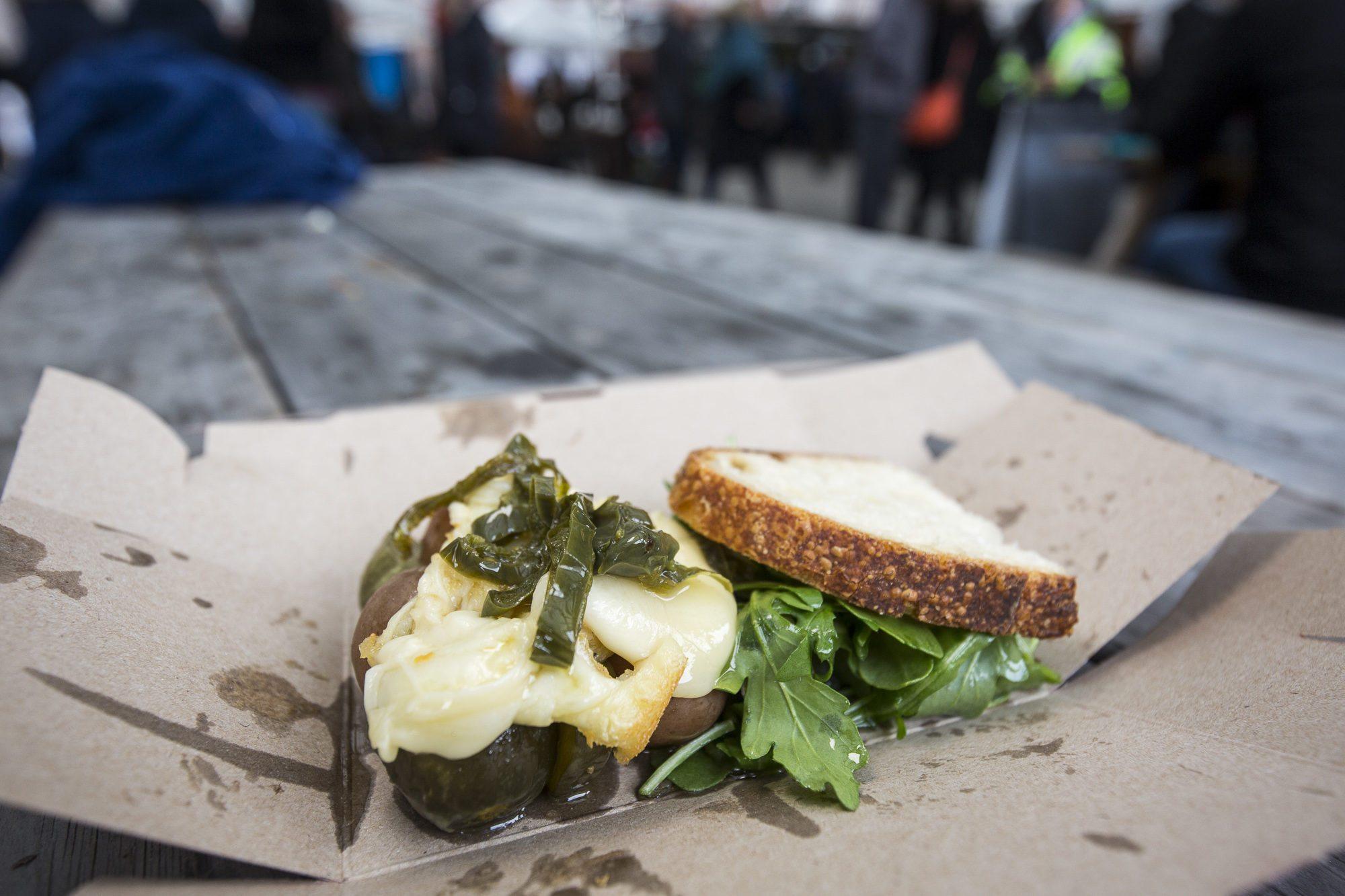 toronto-food-events-evergreen-brick-works-winter-village-christmas-market-raclette