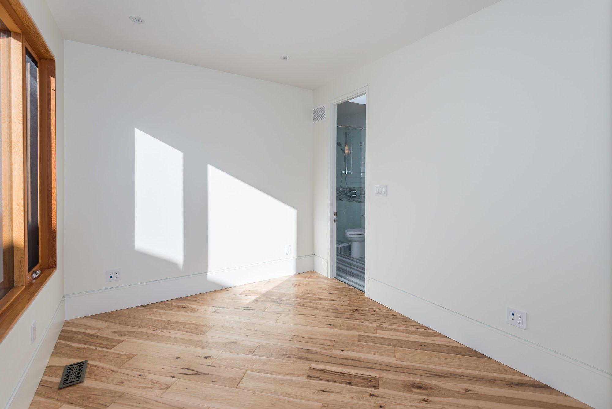 toronto-house-sold-140-albertus-avenue-10