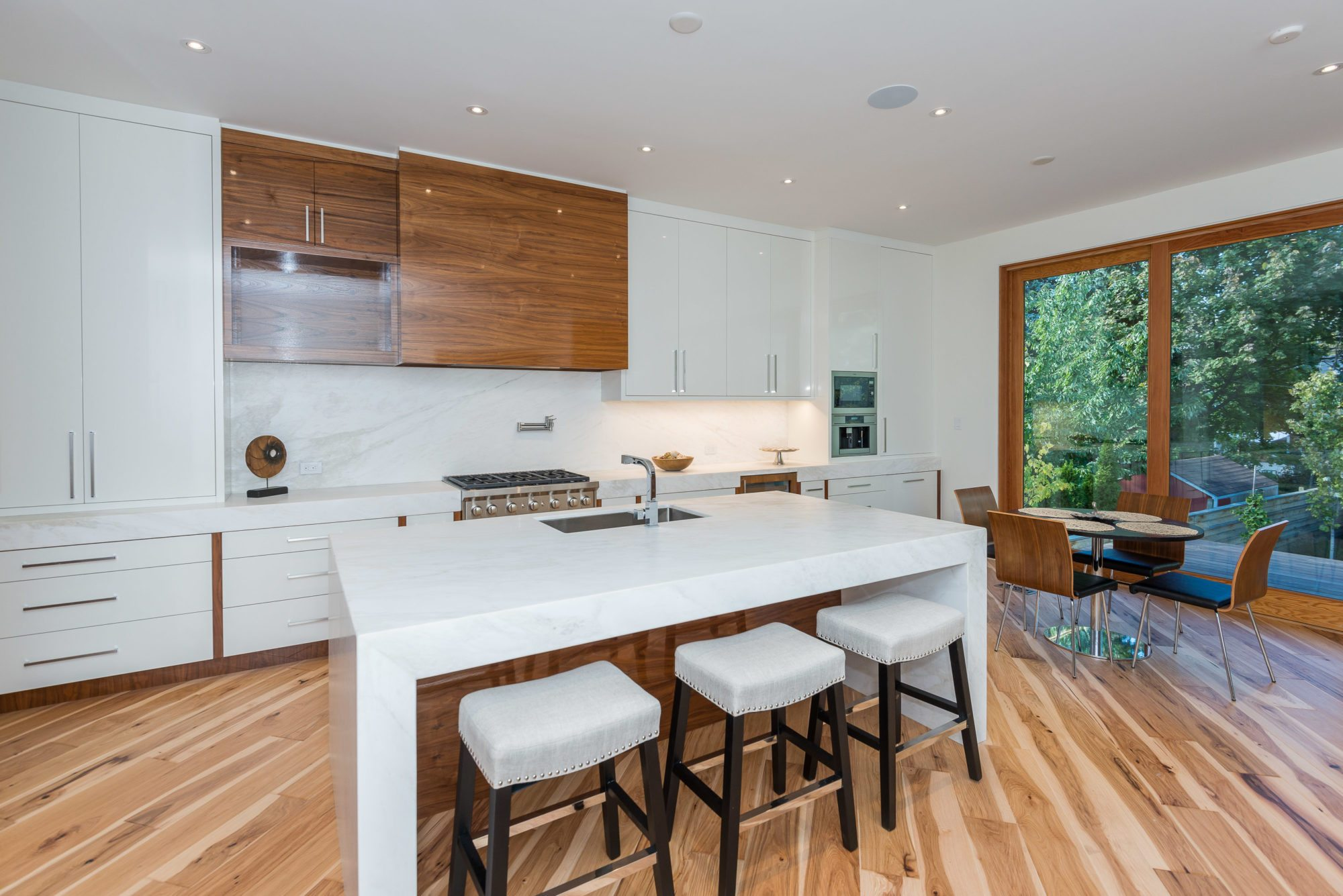 toronto-house-sold-140-albertus-avenue-5