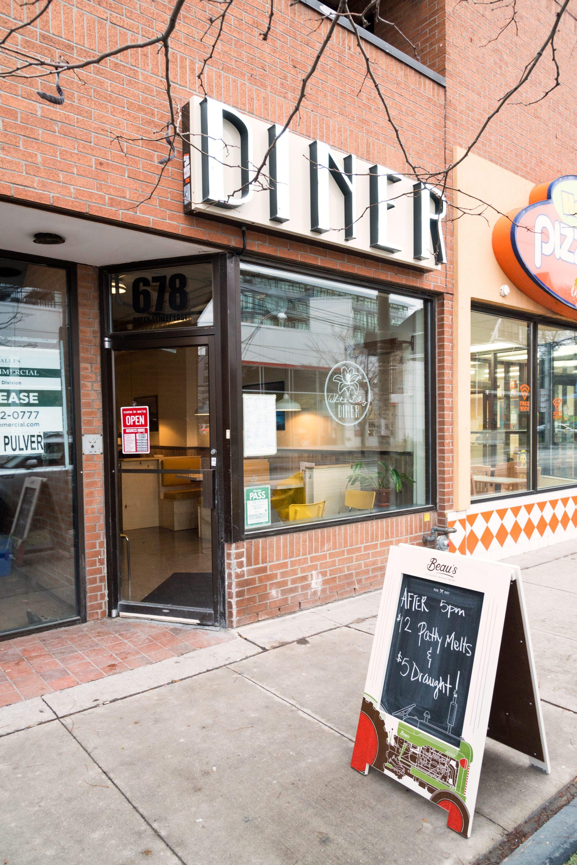 toronto-restaurants-white-lily-diner-leslieville-riverside-exterior
