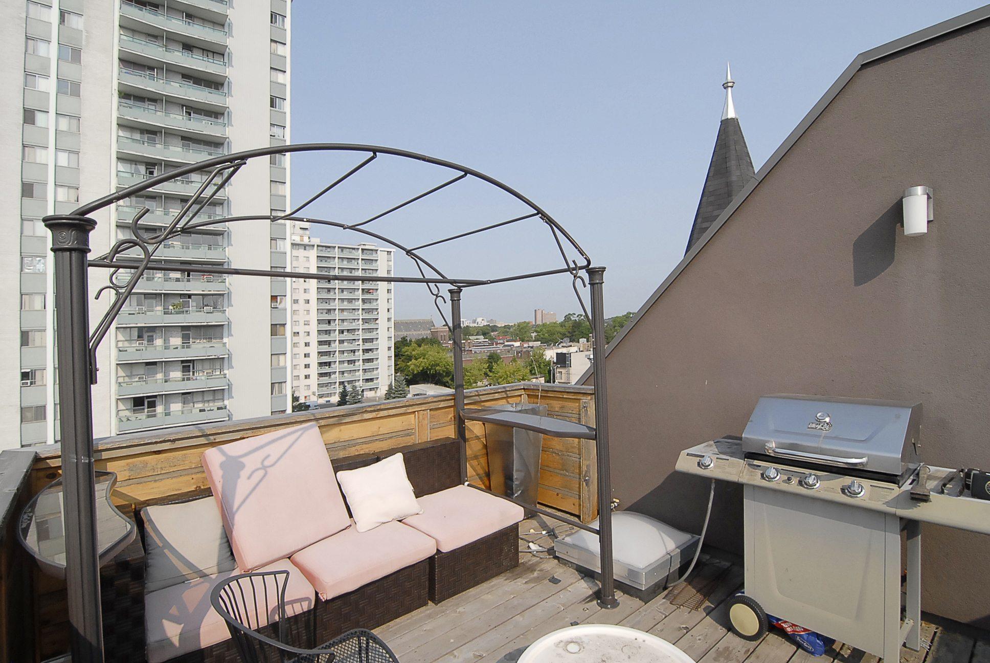 toronto-apartment-for-rent-701-dovercourt-road-5
