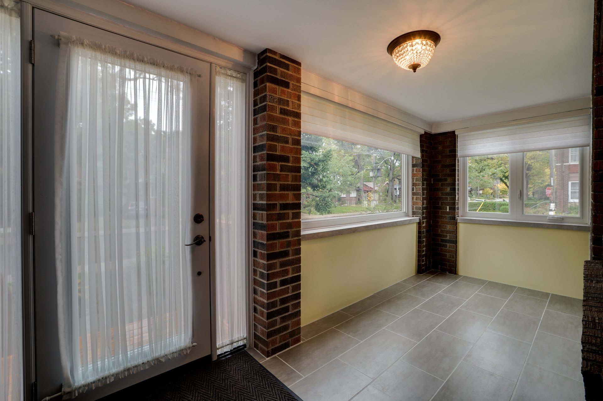 toronto-house-sold-134-colbeck-street-2