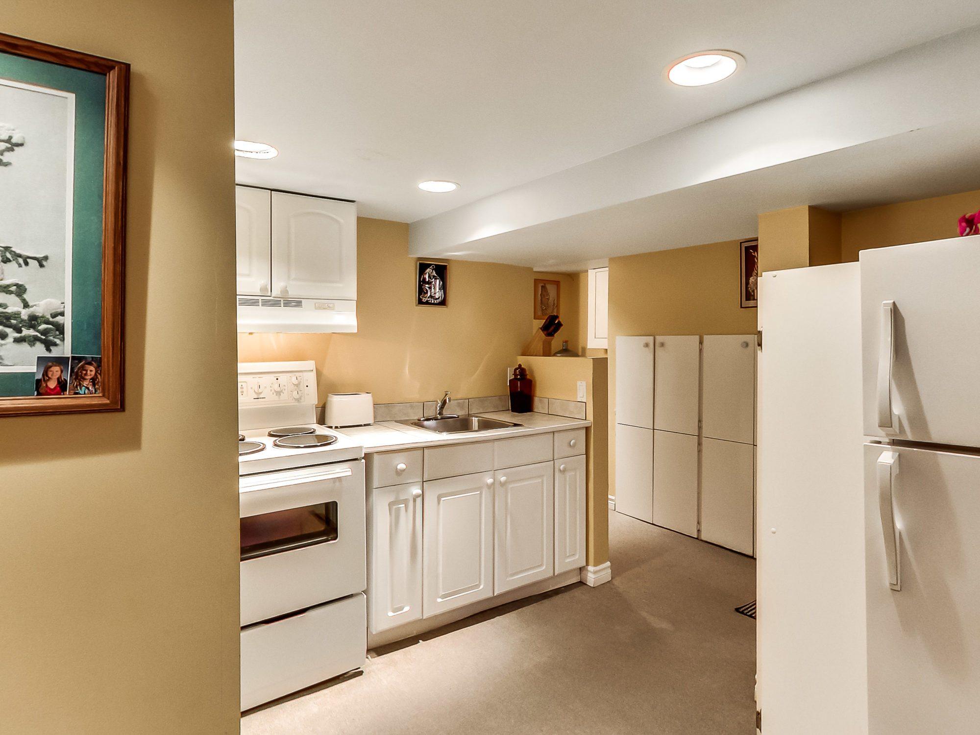 toronto-house-sold-71-hertle-avenue-11