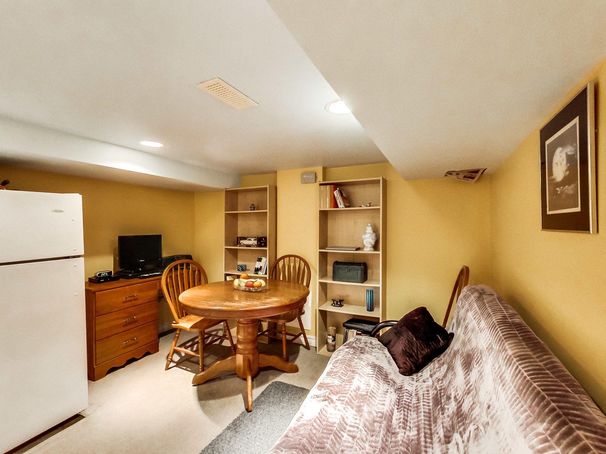 toronto-house-sold-71-hertle-avenue-12