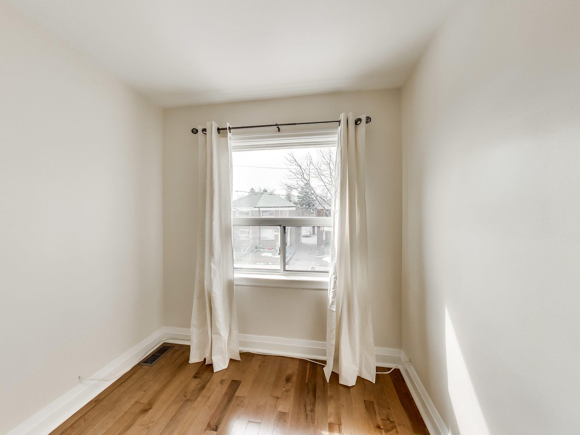 toronto-house-sold-71-hertle-avenue-7