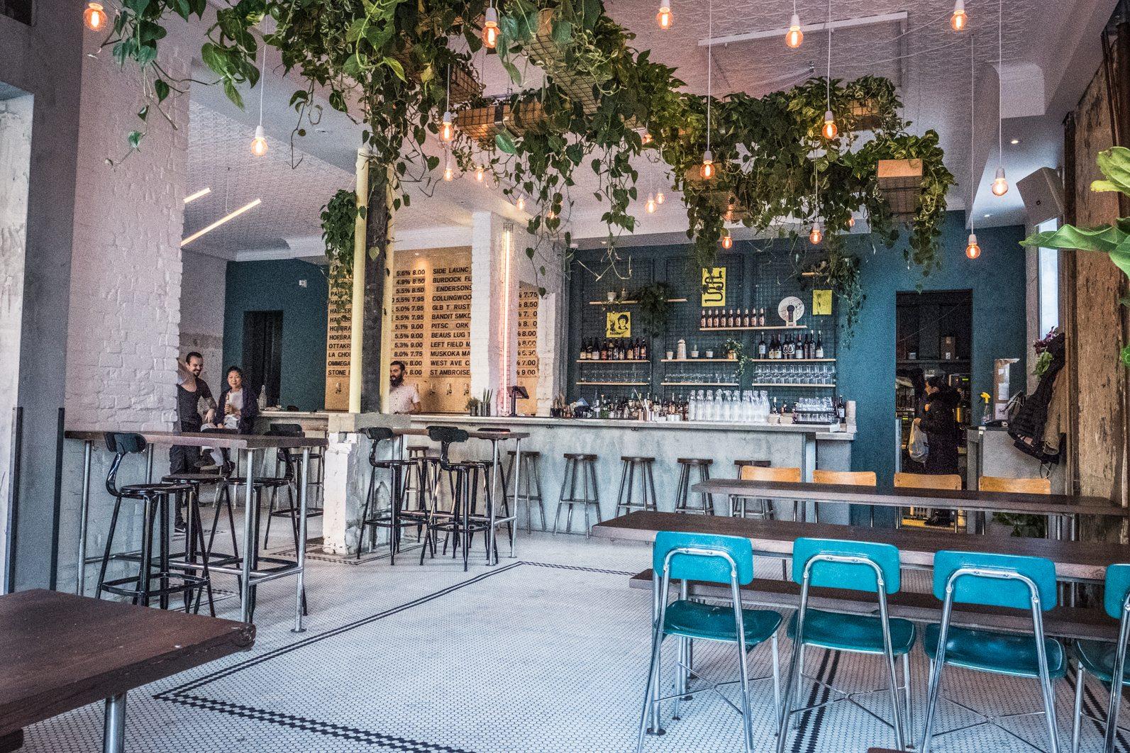 toronto-restaurants-bars-ottos-bierhalle-german-beer-queen-west-interior-3