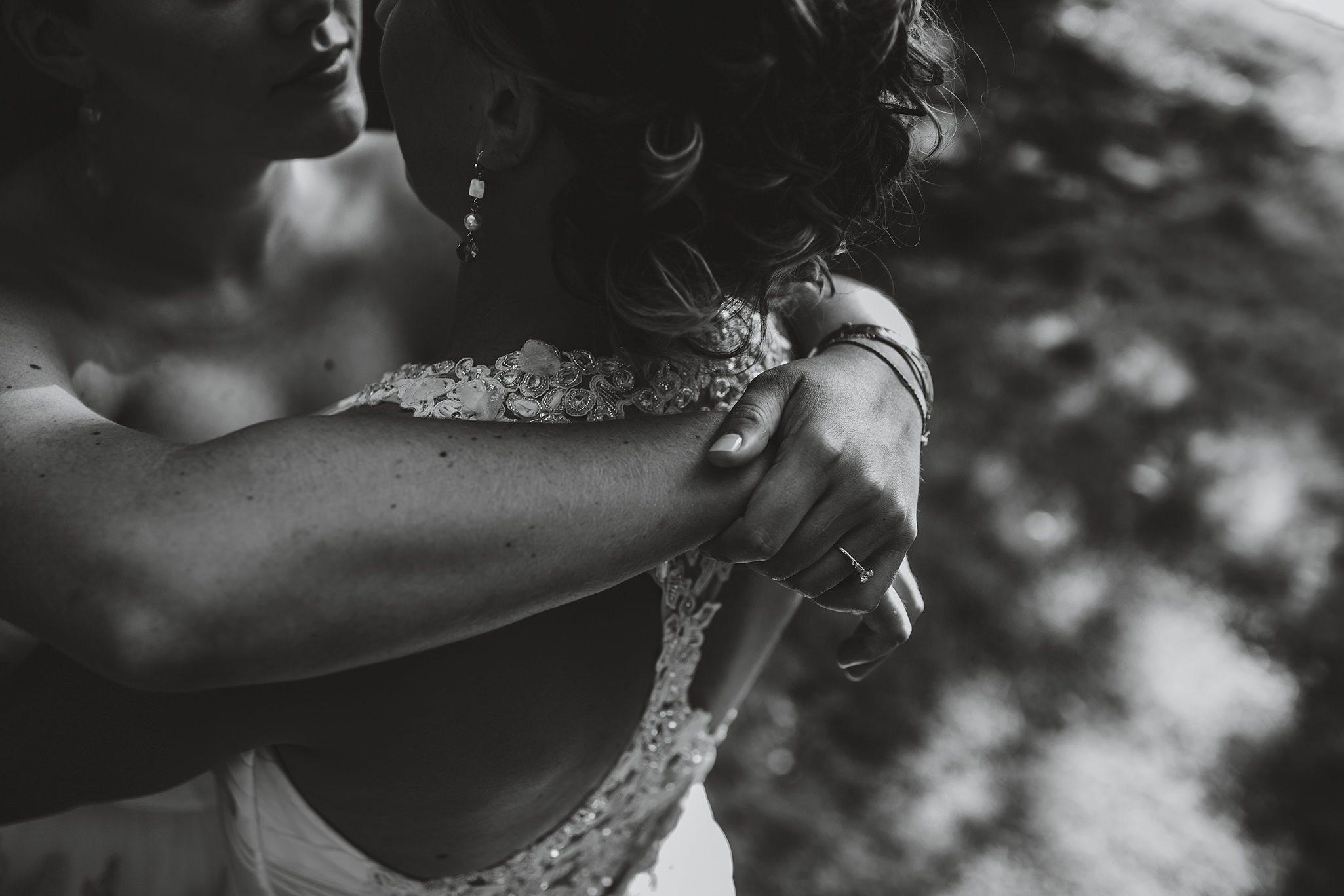 Caiti+Megan_Tara Lilly Photography-lowres copy-1