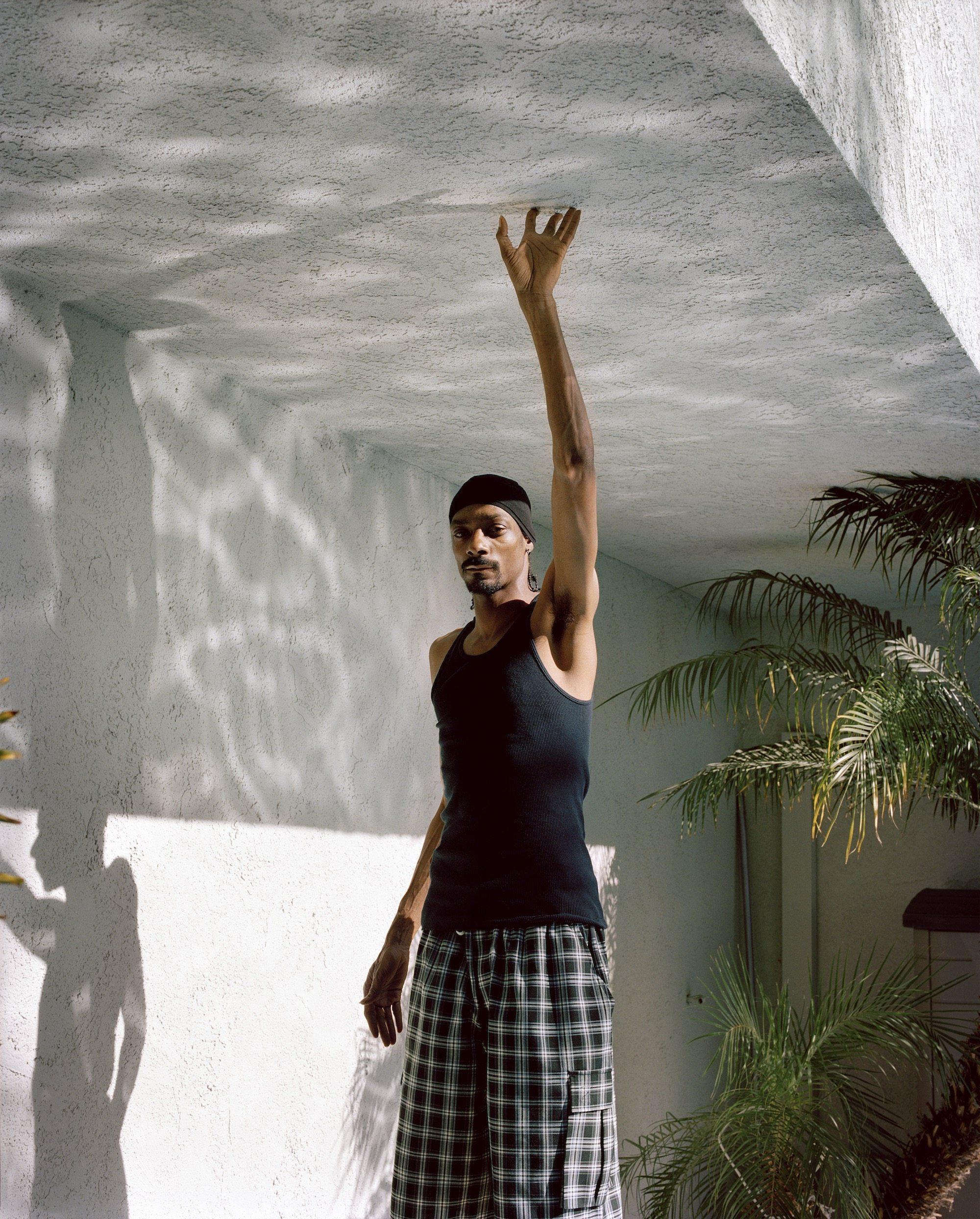 Snoop_Dogg_dark_V4_s1_LYRS_RGB_UNEASY