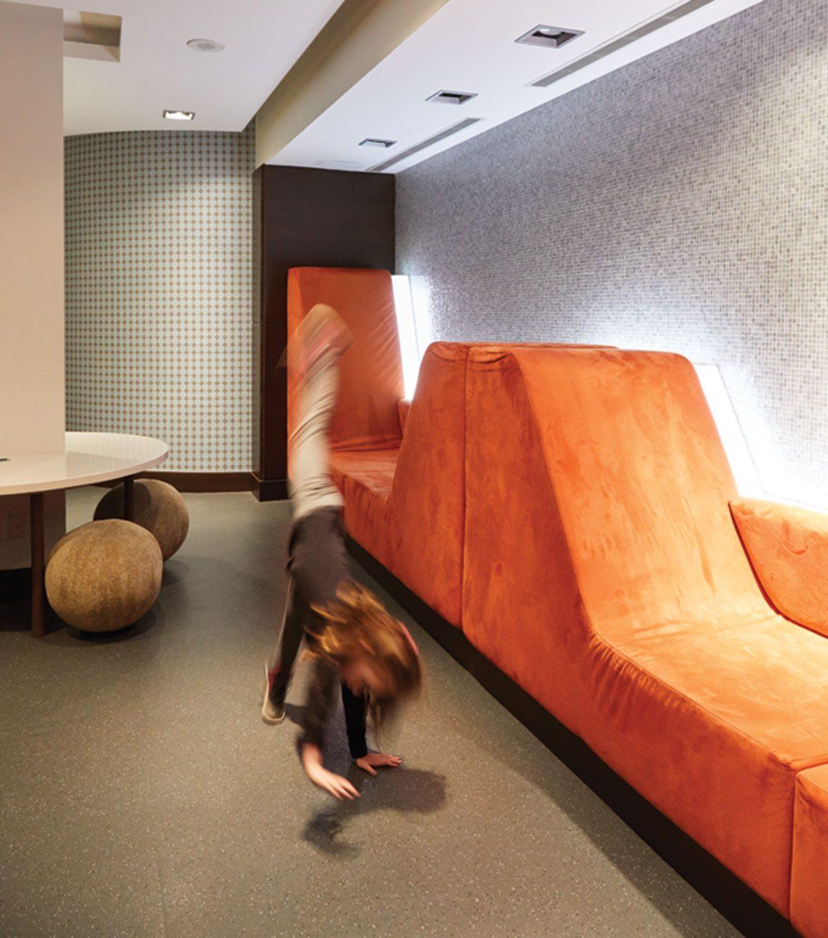 lauraitis-lounge