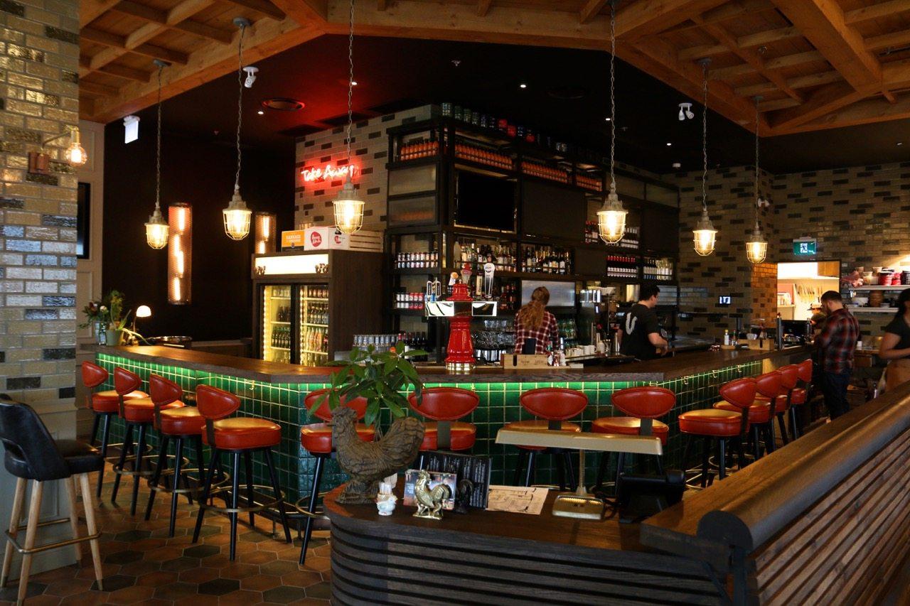 toronto-restaurants-union-chicken-sherway-gardens-yannick-bigourdan-bar