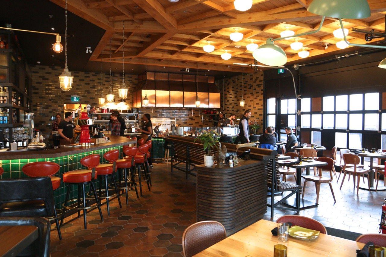 toronto-restaurants-union-chicken-sherway-gardens-yannick-bigourdan-dining-room-1