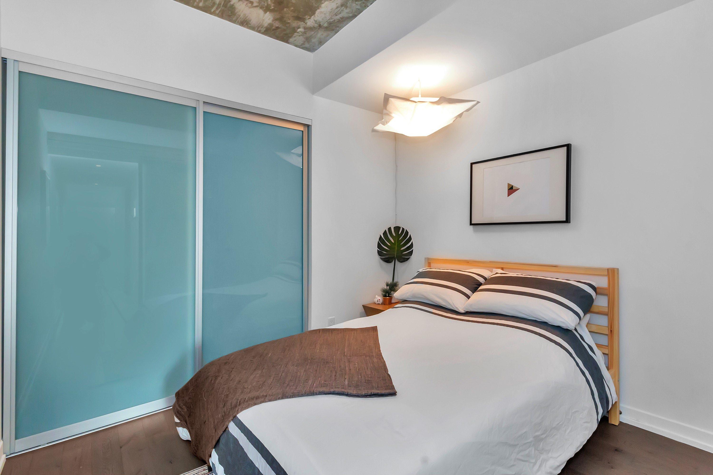 toronto-condo-for-sale-95-bathurst-street-7