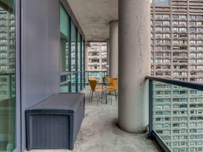 toronto-condo-sold-1121-bay-street-8