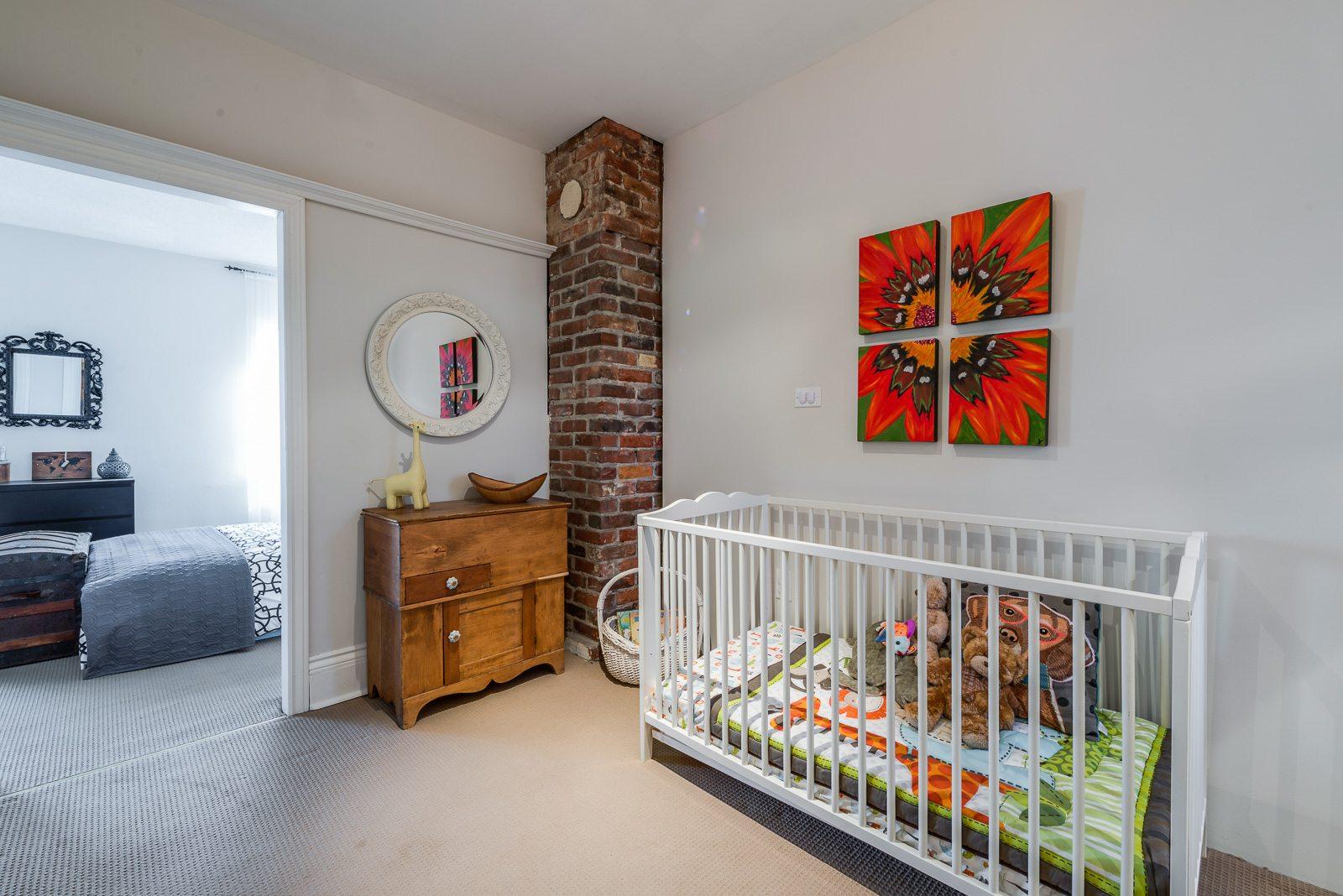 toronto-house-sold-22-cummings-street-8