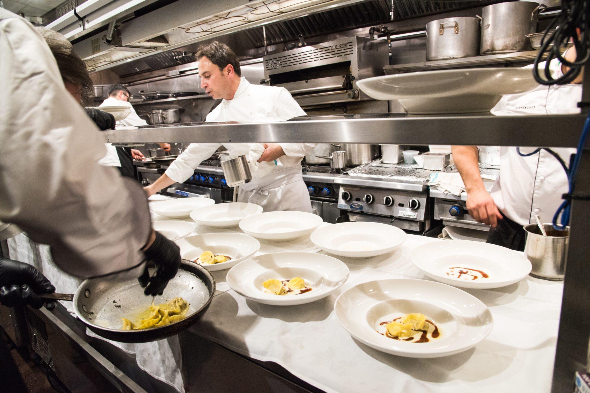toronto-restaurants-events-sotto-sotto-italian-nino-di-costanzo-chef-line