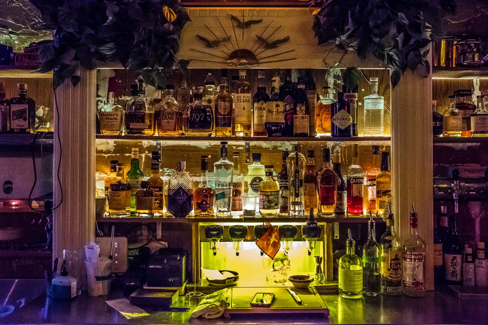 toronto-restaurants-pinkys-ca-phe-vietnamese-cambodian-snack-bar-little-italy-room-5