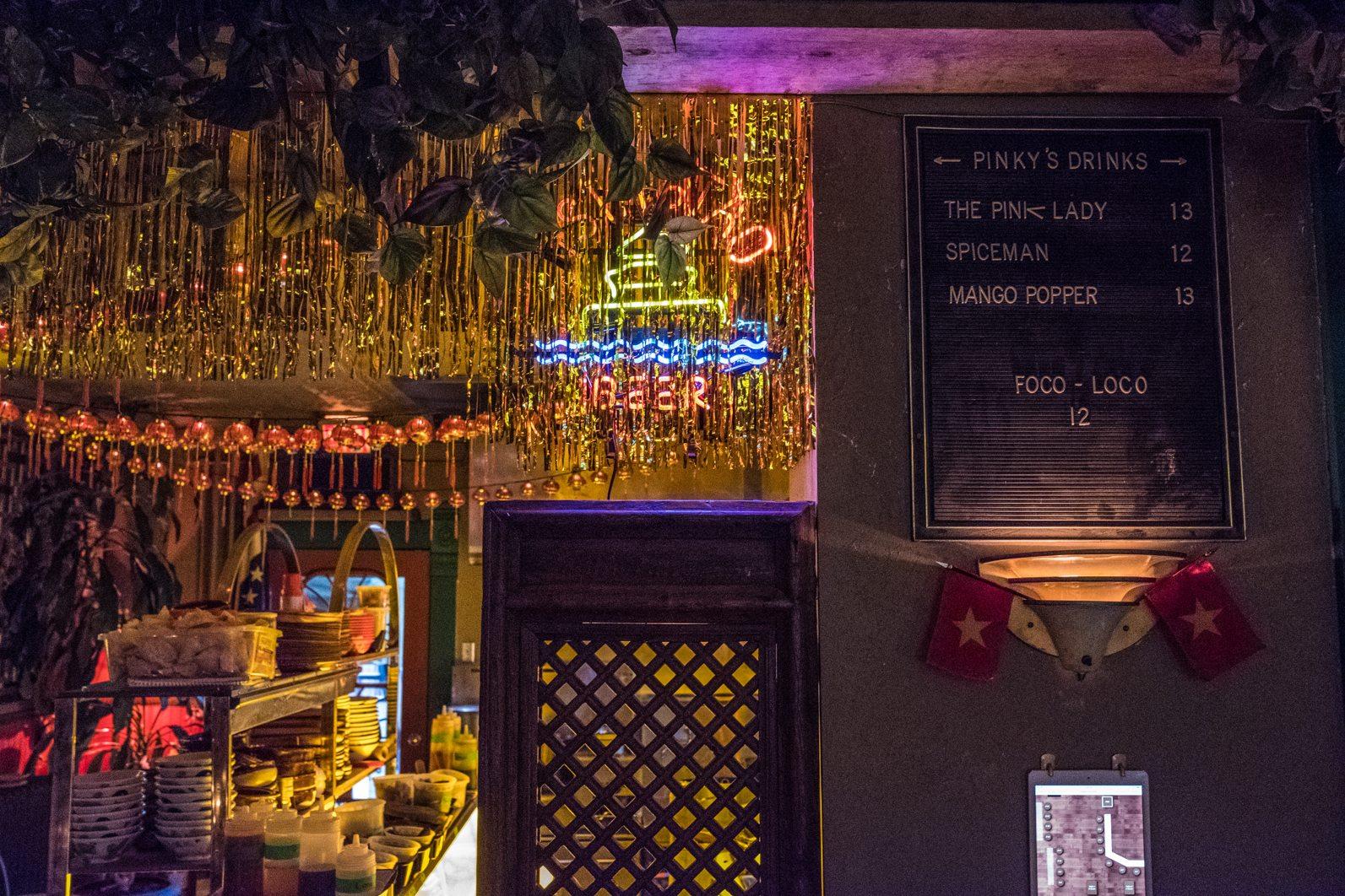 toronto-restaurants-pinkys-ca-phe-vietnamese-cambodian-snack-bar-little-italy-room-7