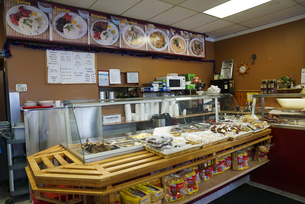 toronto-chefs-in-the-burbs-robbie-hojilla-lake-inez-filipino-scarborough-coffee-in-interior