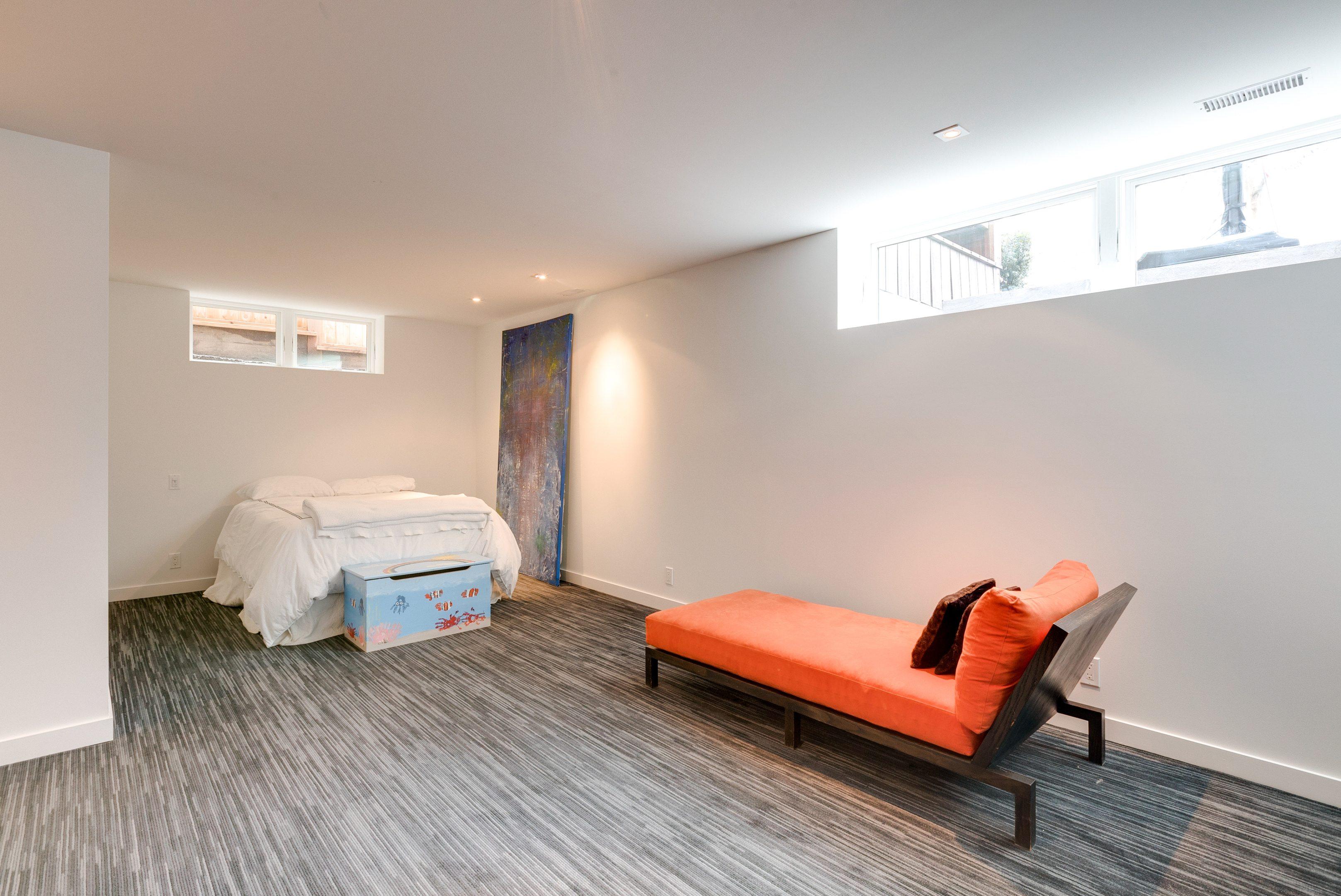 toronto-house-for-sale-99-farnham-avenue-13