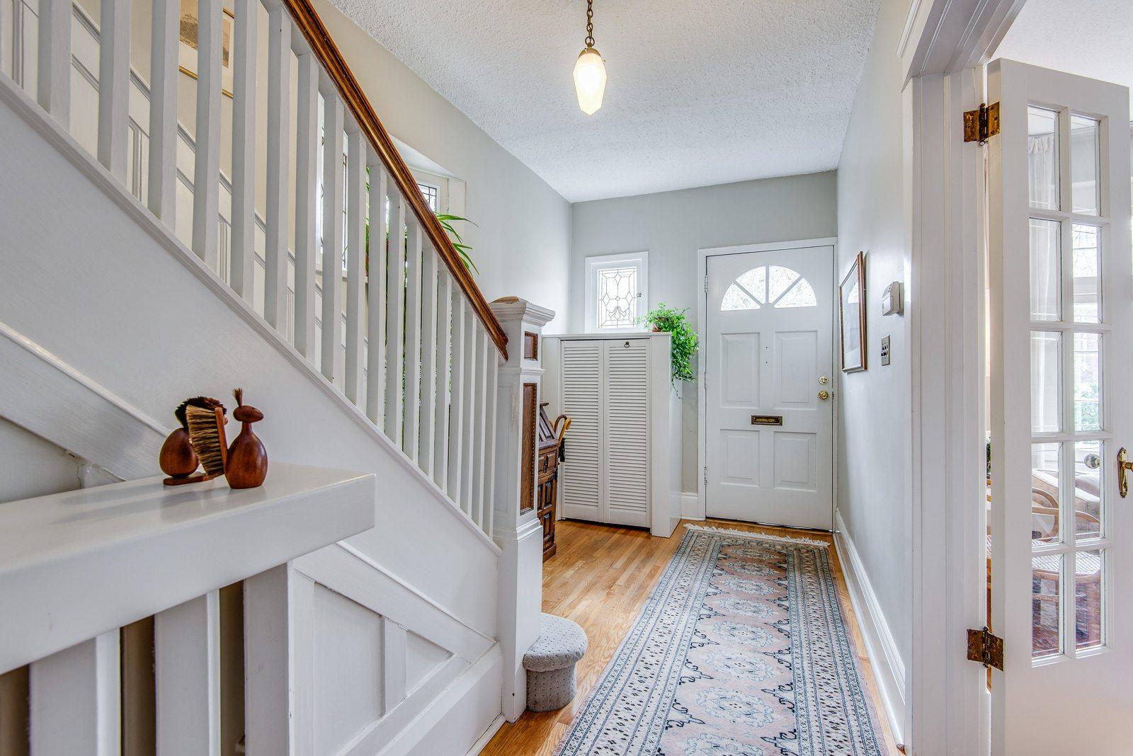 toronto-house-sold-72-farnham-avenue-2