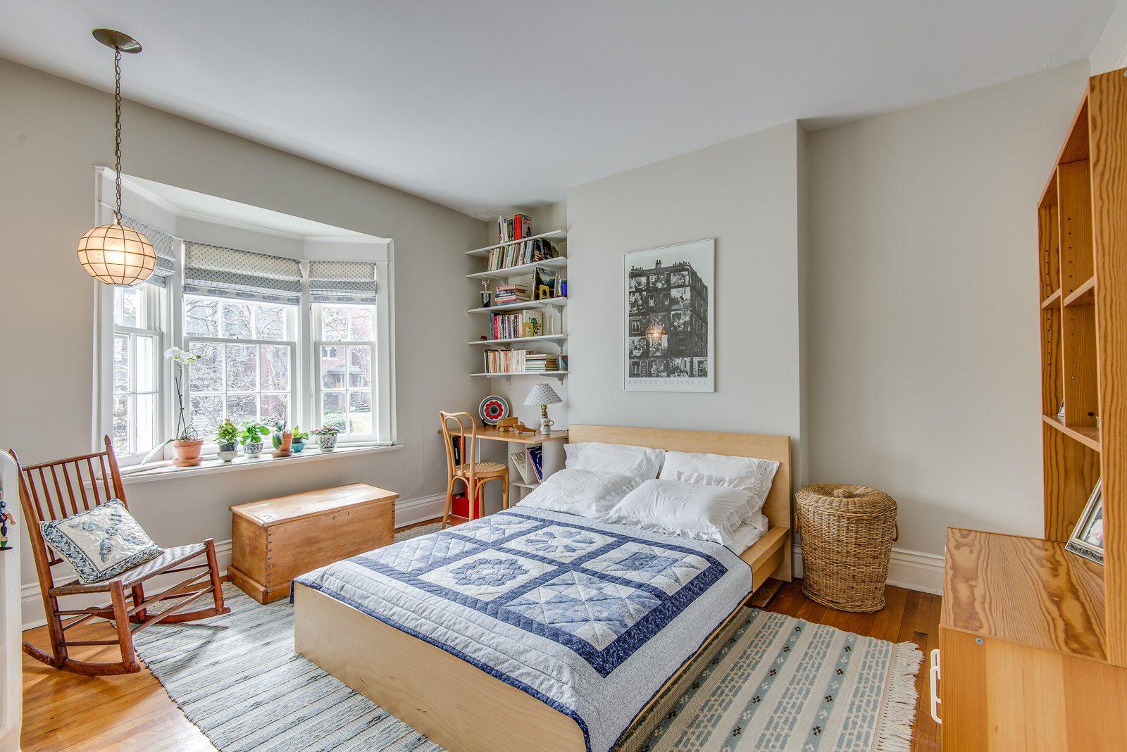 toronto-house-sold-72-farnham-avenue-6