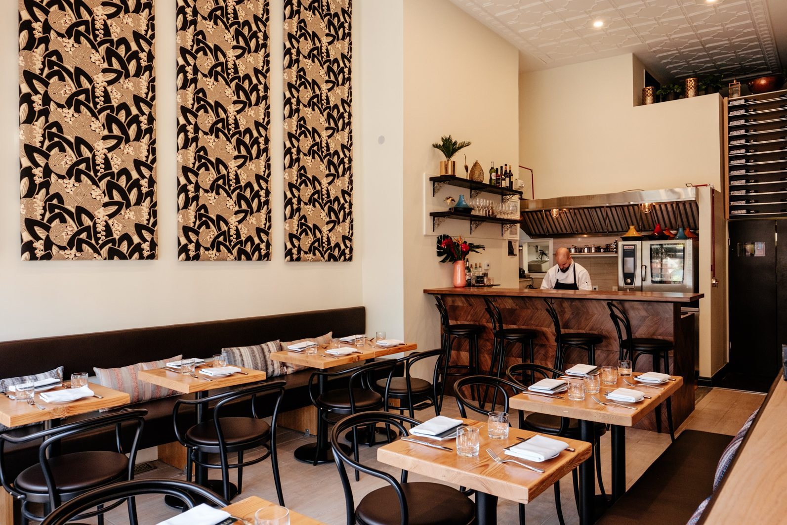 toronto-restaurants-atlas-moroccan-doug-penfold-annex-room-2
