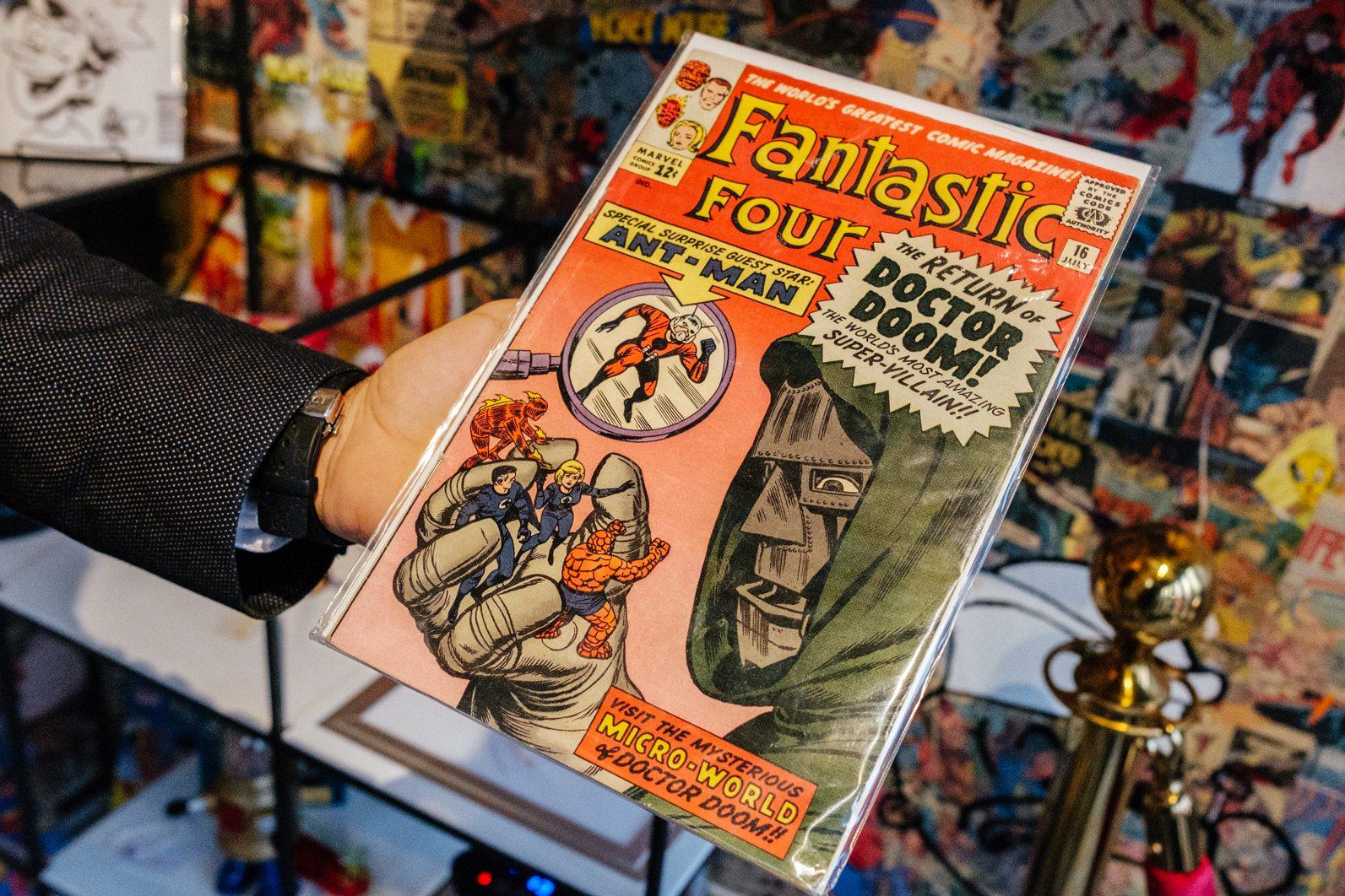 toronto-restaurants-figures-comic-book-super-heroes-yorkville-comic