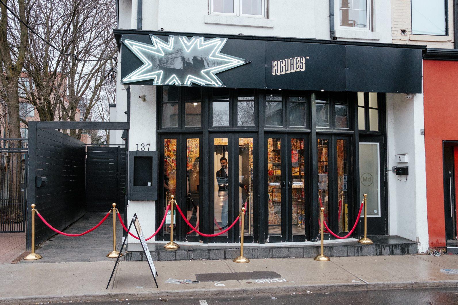 toronto-restaurants-figures-comic-book-super-heroes-yorkville-exterior