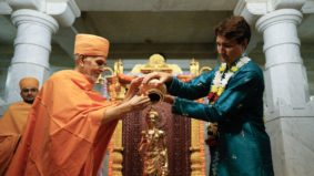Here are some pictures of Justin Trudeau in Indian clothing