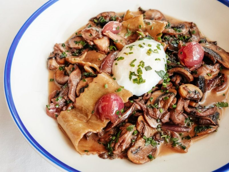 What's on the menu at Gare de L'Est, a new French brasserie in Leslieville