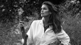 Some pictures of Cindy Crawford cottaging in Muskoka