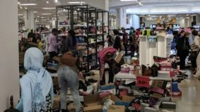 Eleven photos of the apocalyptic carnage at Sears Canada's liquidation sales