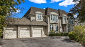 Sale of the Week: $3.6 million for an enormous Thornhill home with a grand entryway