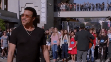 Watch Toronto&#8217;s Choir! Choir! Choir! surprise Lionel Richie on <em>American Idol</em>