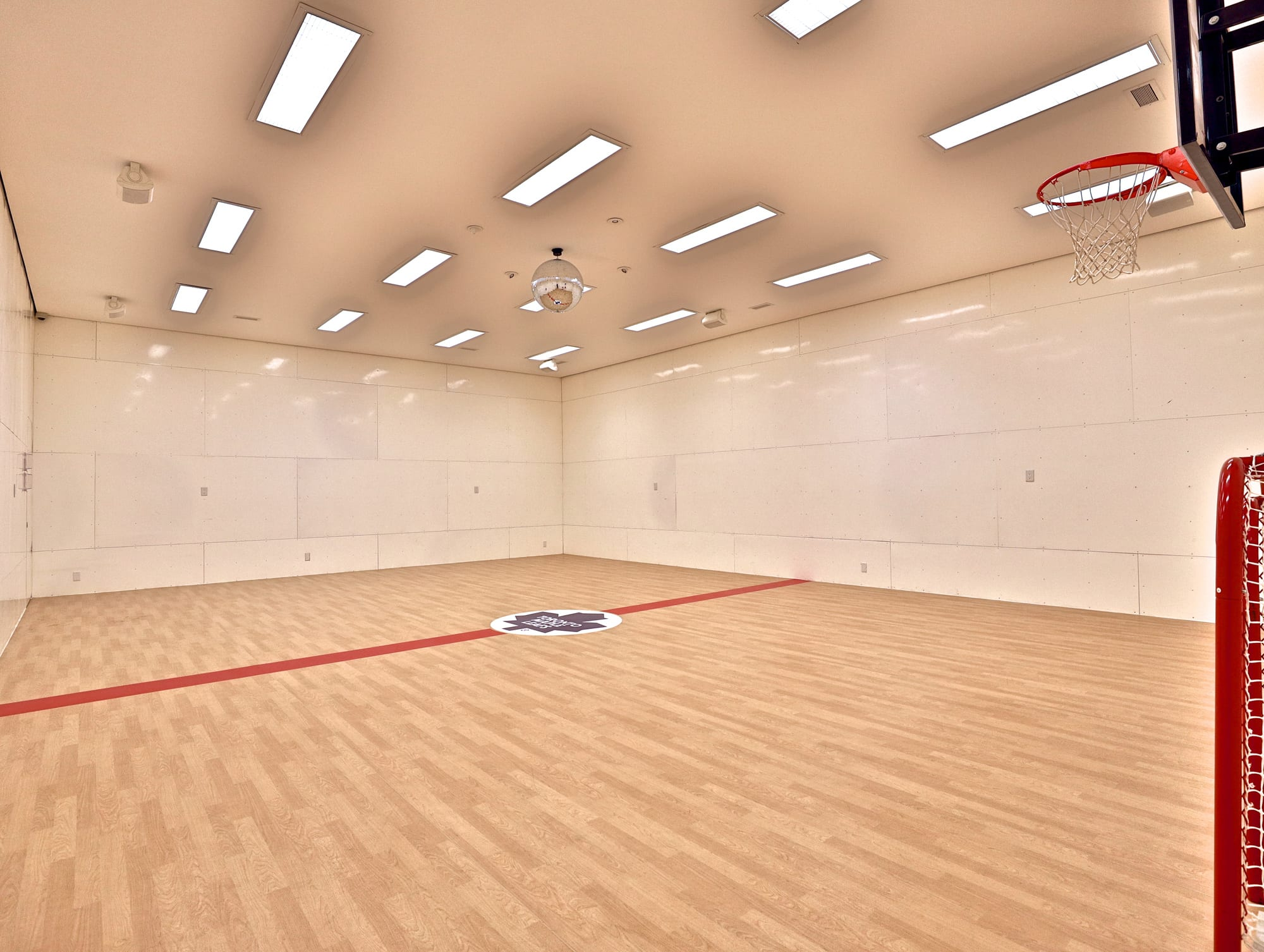 10 6 Million For A Hoggs Hollow Mansion With Its Own Indoor Basketball Court