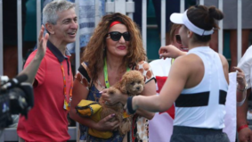 The wildest courtside looks from Bianca Andreescu's mom