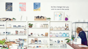 """These """"unboxed"""" stores sell groceries, cosmetics and cleaning supplies in all their naked beauty"""