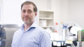 """""""At Sunnybrook, we have people who are superheroes without the capes"""": A Q&A with Rob Kozak, one of the Toronto doctors who isolated coronavirus 2"""