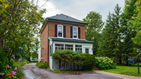 A Toronto family wanted to escape the city—so they bought a $315,000 house in Bracebridge