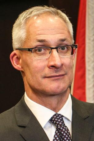 Portrait of Dirk Huyer