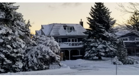 Airbnb story: A family of Scarborough ski upstarts rented this Blue Mountain chalet for $350 a night