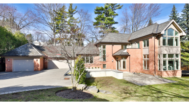 """House of the Week: $6 million for a Bridle Path home with """"cottage in the city"""" energy"""