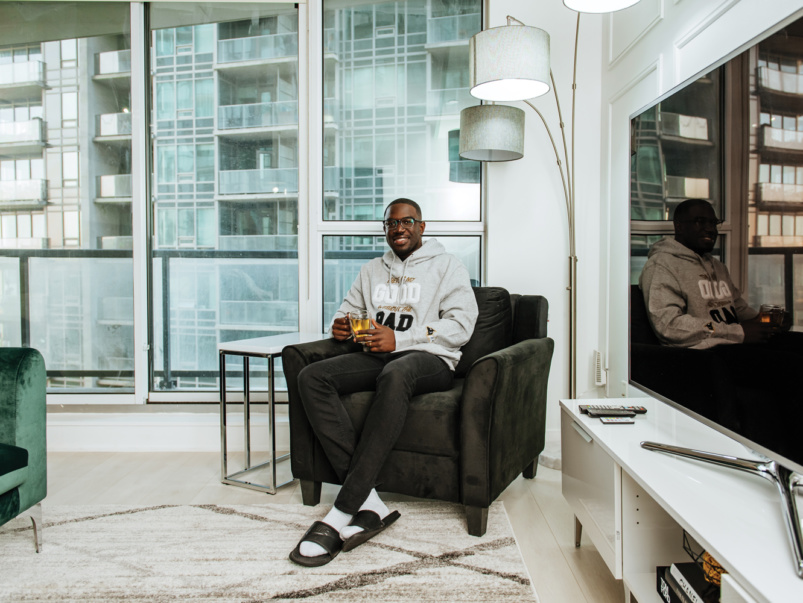 """""""I saw a one-bed-plus-den in Liberty Village for $575,000, and I scooped it up"""": Why this insurance advisor bought an investment property downtown"""