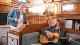 This couple gave up their Leslieville semi and moved into a sailboat